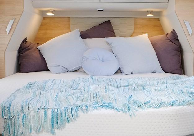 Dethleffs esprit bedroom