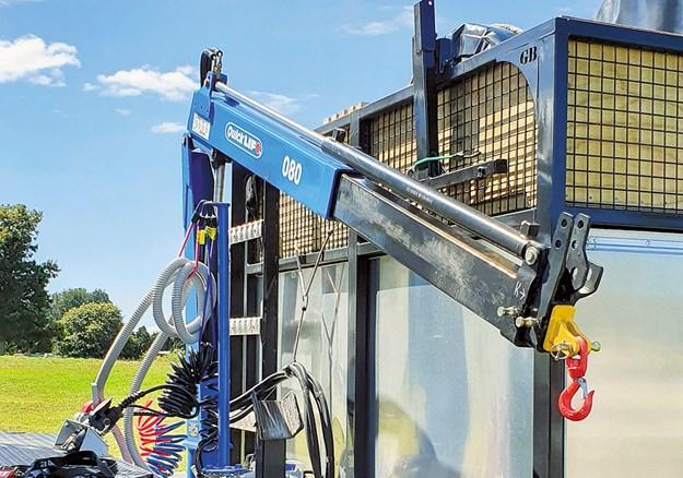 The hydraulic crane