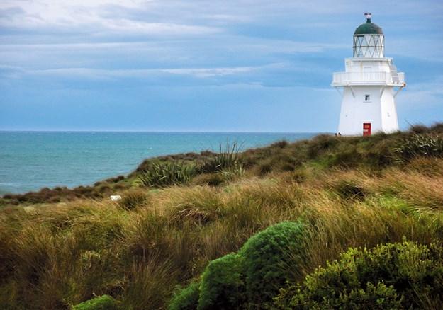 Waipapa Point Lighthouse.jpg