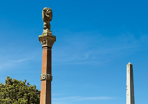 Whelan_2 Memorials to the Scottish settlers.jpg