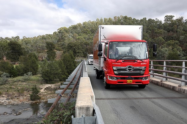 C:\GREGS FILES\7. VIDEOS\Hino Canberra 500 standard cab\Hino-500-101.jpg