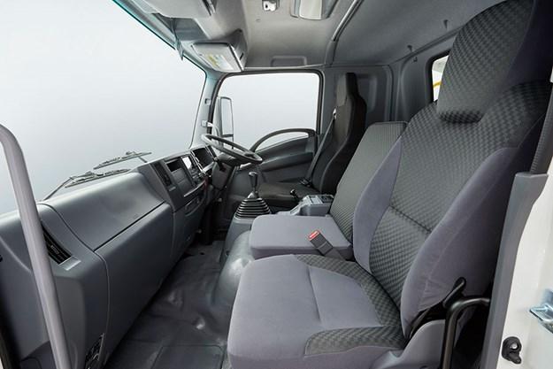 C:\GREGS FILES\4. OWNER DRIVER WEBSITE\Oct 2020\Isuzu tipper\ISUZU-FSR-140-260-TIPPER-INTERIOR.jpg