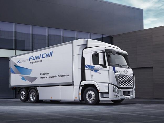 Hyundai xcient fuel cell-4.jpg