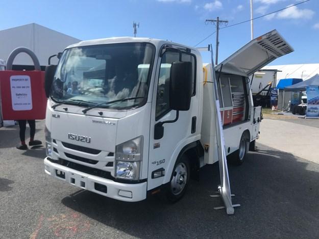 Service-Bodies-Australia-Isuzu-NPS-4x4