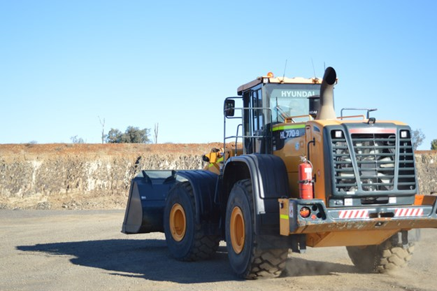 Hyundai-HL770-9-wheel-loader