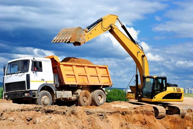 Excavator-loading-truck