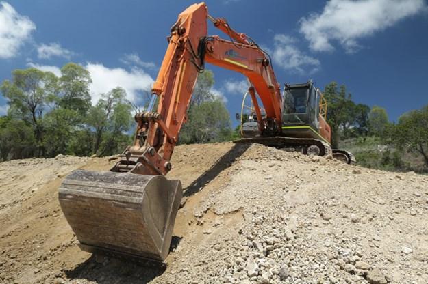 Hitachi-Zaxis-330LC-excavator