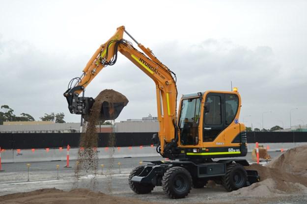 Hyundai-R170W-9-excavator