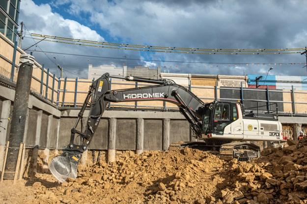 Hidromek-HMK220LC-excavator