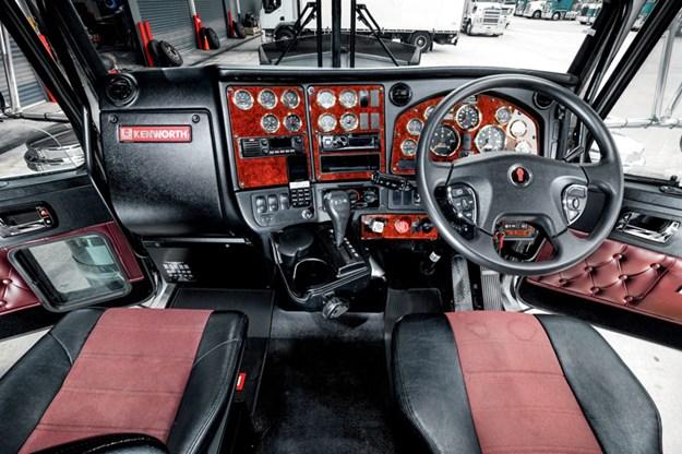Kenworth-T909