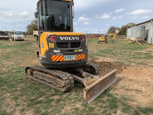 Volvo-ECR35D-mini-excavator
