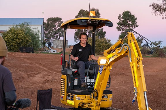 The PC18 might be small, but it's big on fun. This little digger is an absolute hoot to scratch around in