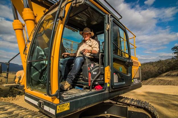Hyundai-Robex-250LC-9-excavator