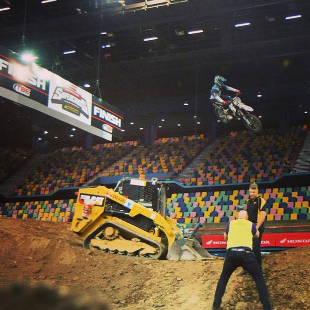 Caterpillar-Supercross