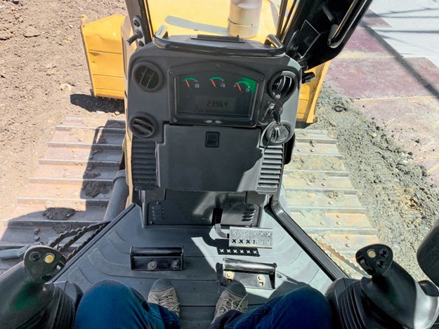 Caterpillar-D5K-2-XL-bulldozer