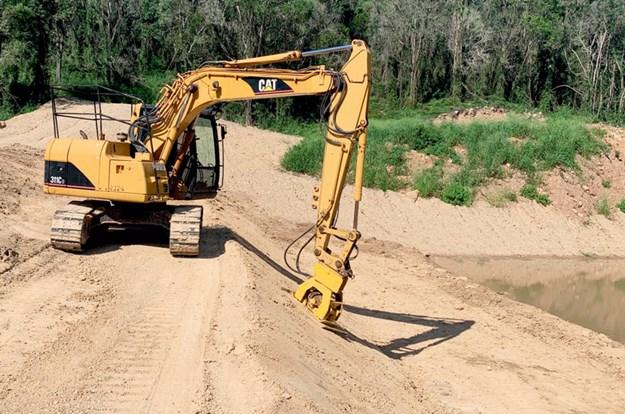 Cat-311CU-excavator-6.jpg