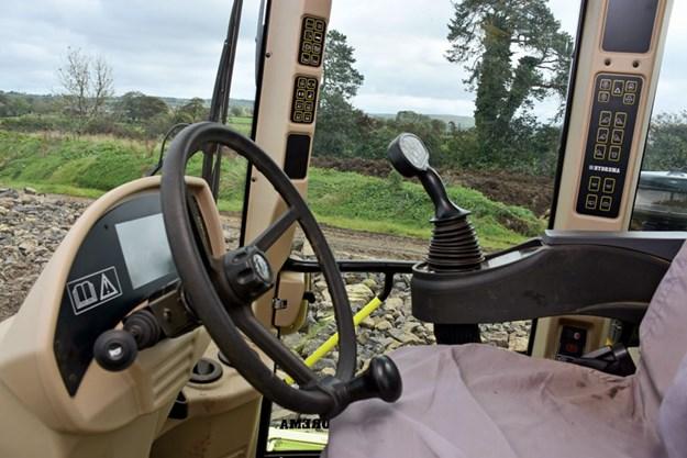 Hydrema-self-propelled-compact-dump-truck