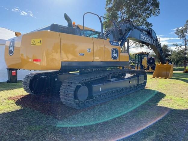 John-Deere-E360LC-excavator