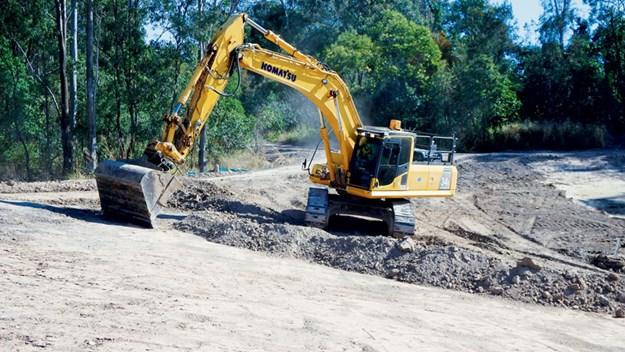 Komatsu-PC300LC-8-excavator