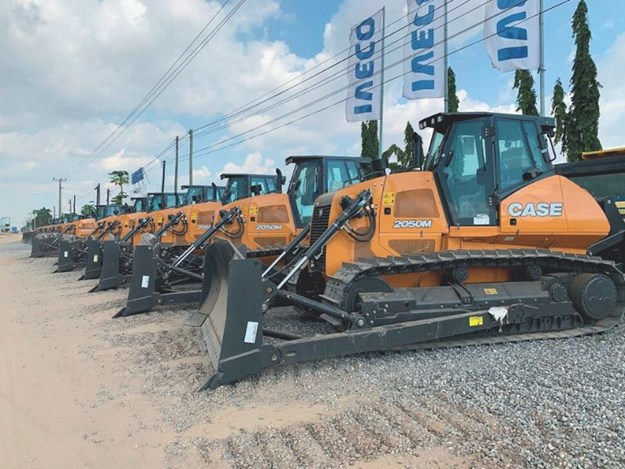 Case construction delivers big order to Angola