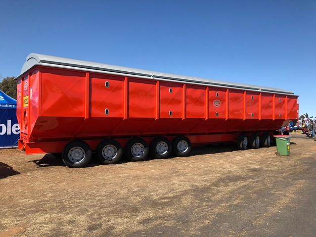 The Dunstan 150-tonne side on