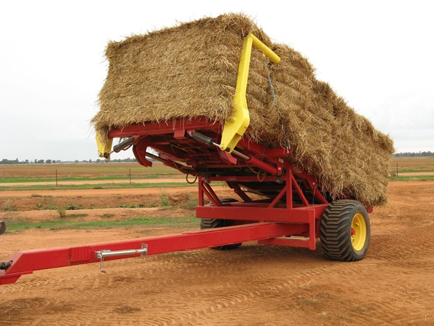 The big bale stacker