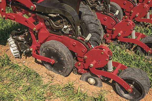 The row unit on the Case IH early riser 2130 planter ensures faster emergence and more uniform germination in a wide variety of crops