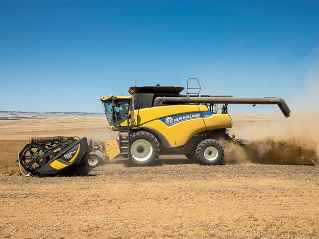 A New Holland CR7090 combine harvester working in South Australia