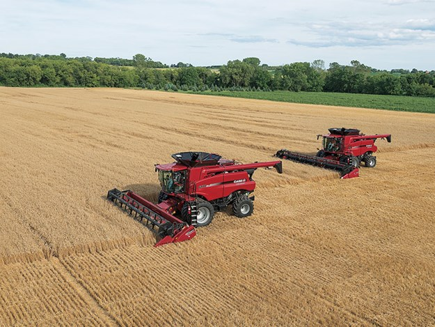 Case IH Axial-Flow 6140 at work