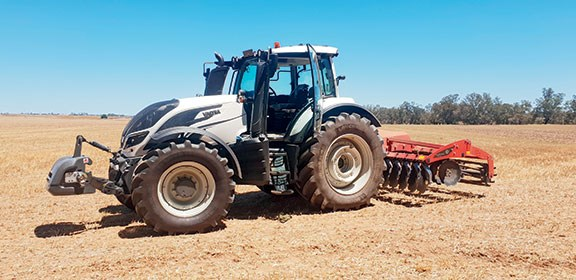 Valtra T234 side on in Australia