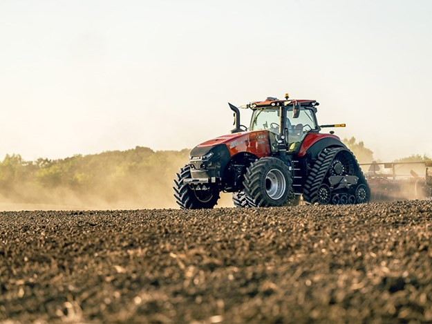 New AFS Connect Magnum 400 tractors from Case IH