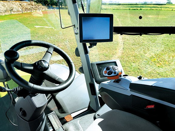 The Claas Xerion 4500's unique rotating cab