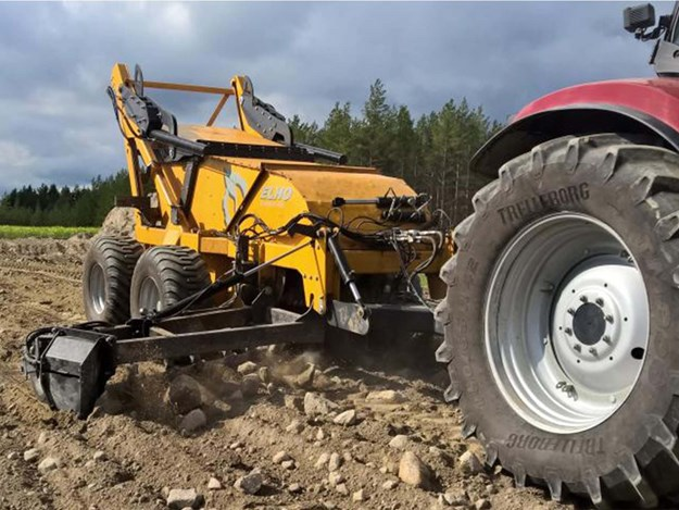 The Elho Scorpio 550 rock picker is ideal for large broadcare farming properties