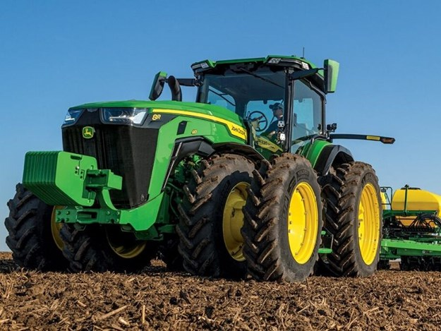The new John Deere 8R 410