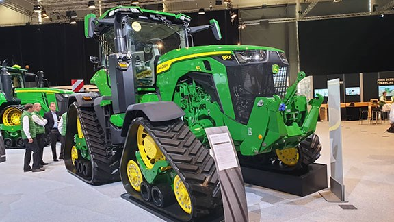 The new John Deere 8RX on display at Agritechnica