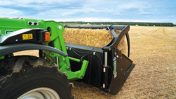 As standard, every Merlo is fitted with a weighing system incorporated into the main lift cylinder