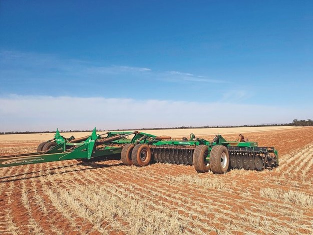 The entire implement provides better trash flow to the field because of its active torsion system and custom-designed disc arm