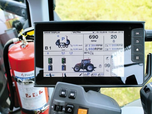 The Valtra 10.1 inch SmartTouch screen is clear and easy to navigate