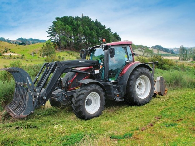 The Valtra N134 working in a field