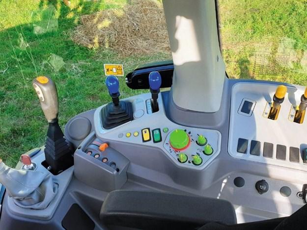 Deutz-Fahr tractor interior