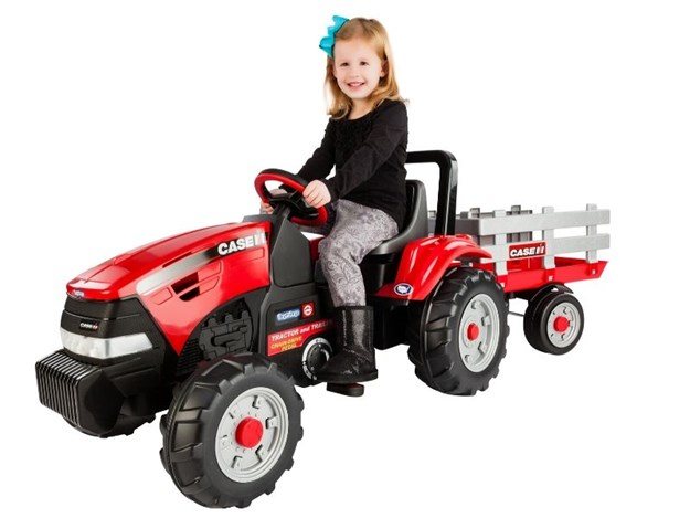 CASE IH PEDAL TRACTOR AND WAGON