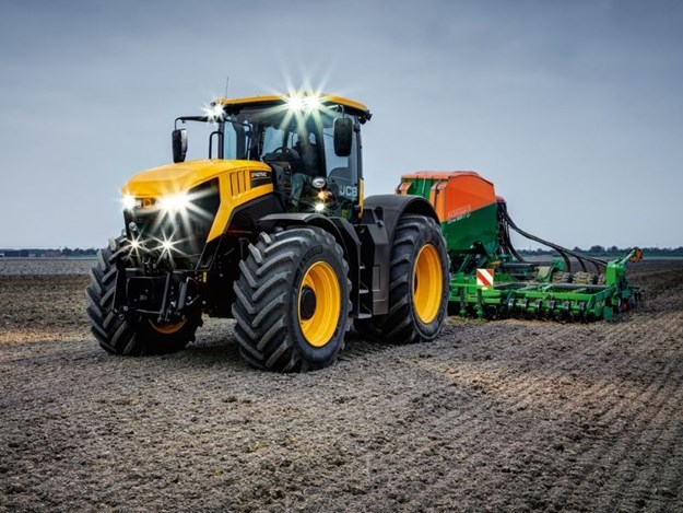 The JCB Fastrac 8330 has a huge 8.7-litre Agco-Power engine