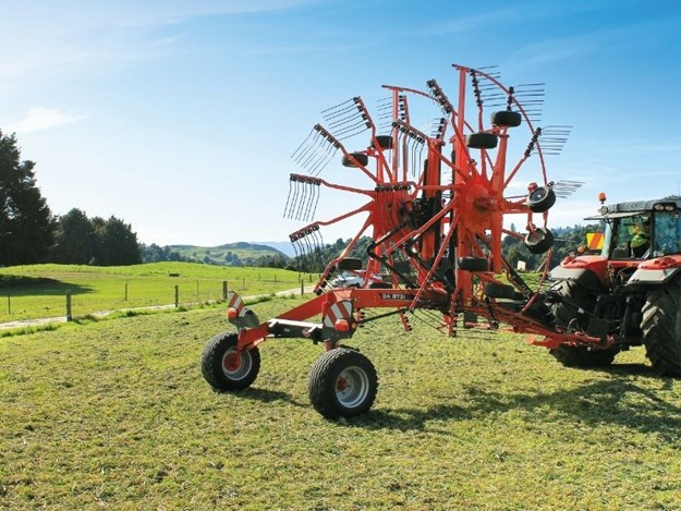 The Kuhn GA8731 ready for work
