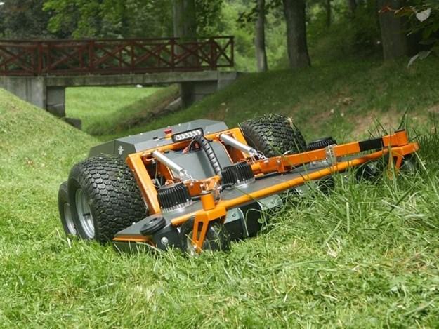 The electric Raymo Torpedo mower