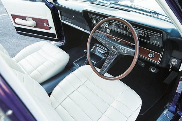fairlane-500-interior.jpg