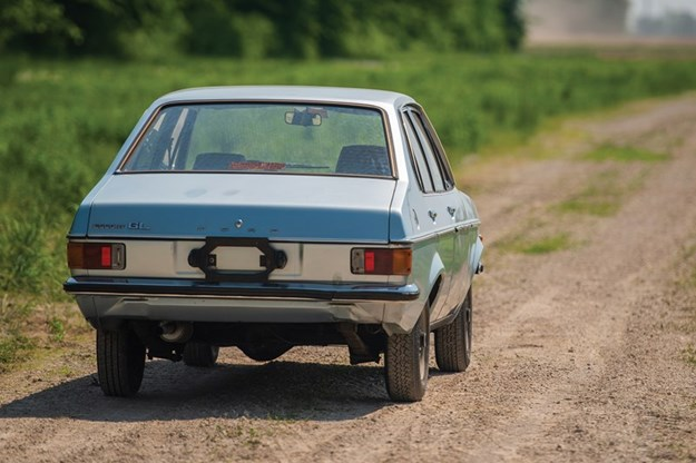 Pope-Ford-Escort-rear.jpg