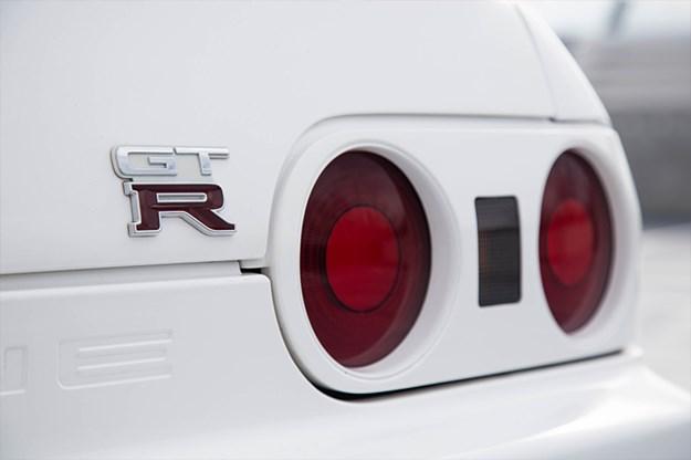 R32-v-R35-R32-GTR-badge.jpg