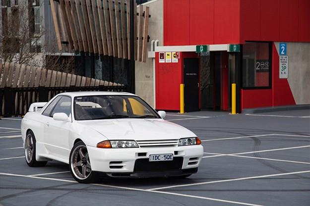 R32-v-R35-R32-front-q.jpg