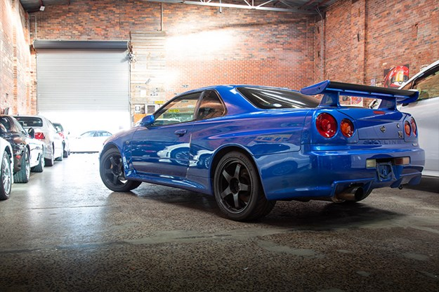 TOYBOX-R34-GTR-rear-q.jpg