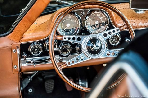 stolen-gullwing-interior.jpg
